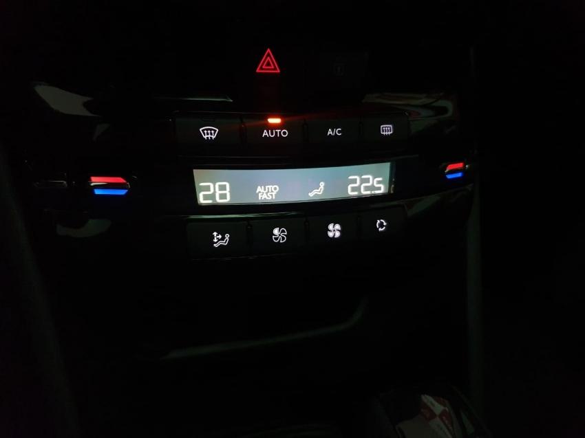 Peugeot 2008 GRIFFE  1.6 AT 2020 imagem 19