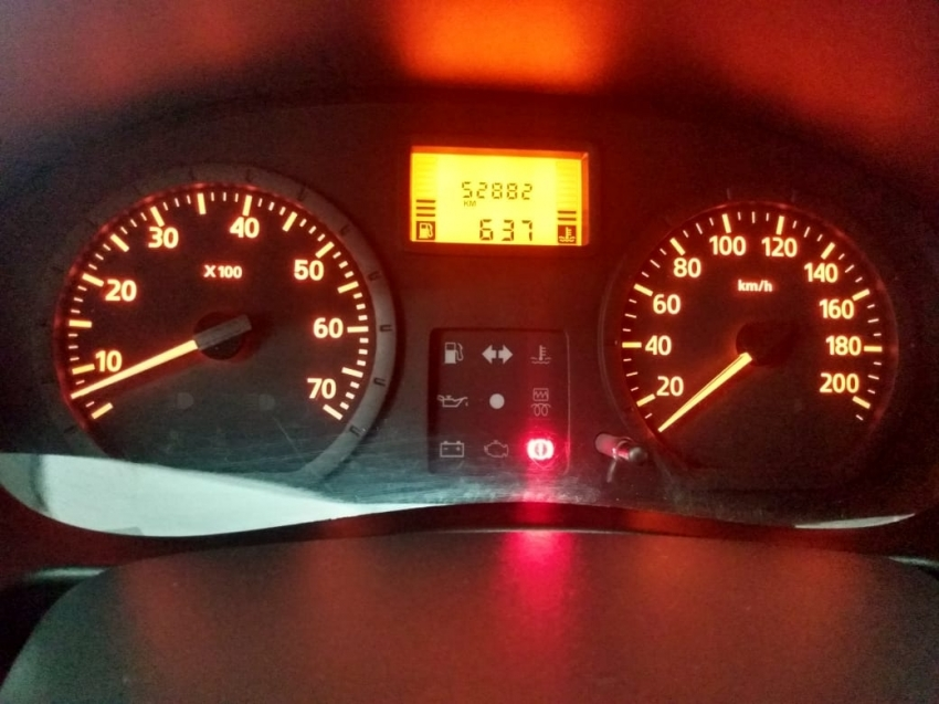 Renault Logan expression  1.0  16V 2014 imagem 11