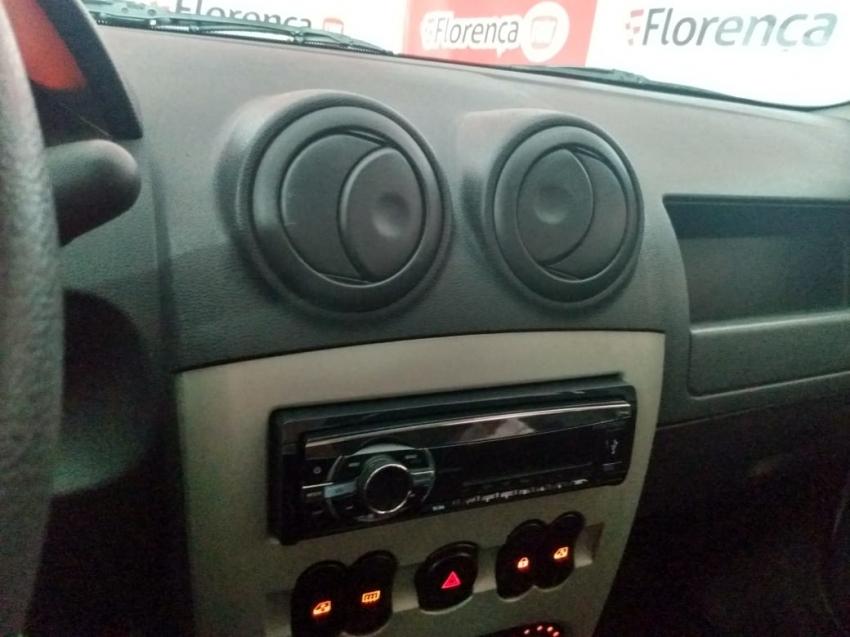 Renault Logan expression  1.0  16V 2014 imagem 12