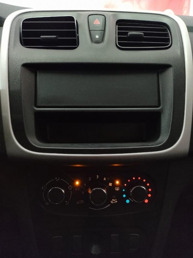 Renault Sandero AUTHENTIQUE 1 .0 2017 imagem 16