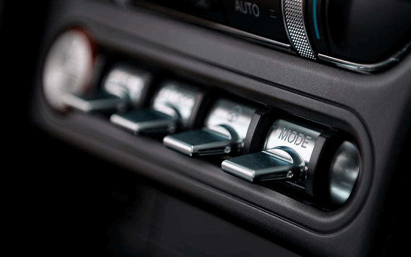 Carros Novos Mustang Mach 1  Ford Brenner Veículos