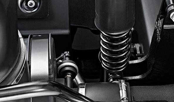 Sistema Independente de Suspensão da Cabine. Isola o motorista e passageiro das oscilações da estrada.