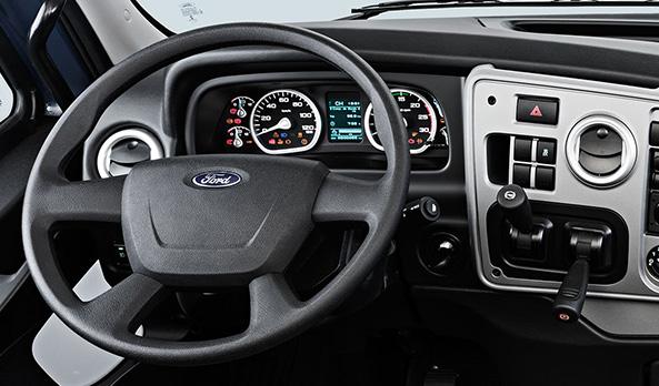 Novo volante. Permite melhor empunhadura durante a condução.