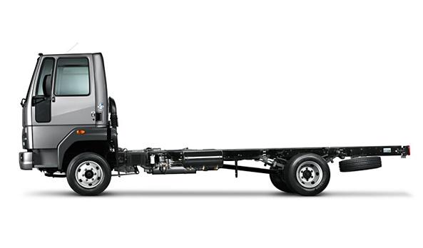 A robustez do caminhão é proporcionada também pelo material das longarinas, LNE 600, que permite uma maior resistência do veículo em aplicações de maior severidade.