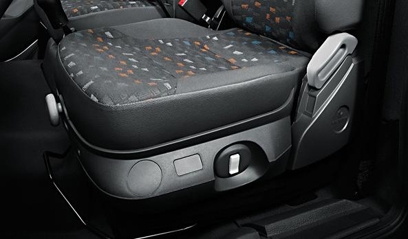 O banco com suspensão pneumática aumenta o conforto de quem dirige.