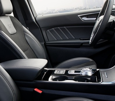 Carros Novos Edge ST Interior renovado com bancos esportivos exclusivos ST. Ford Brenner Veículos