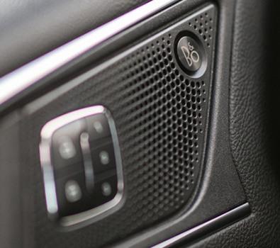 Carros Novos Edge ST Sistema de Áudio Premium B&O PLAY com 12 alto-falantes Ford Brenner Veículos