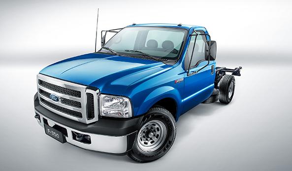 A Série-F da Ford é a única com cabine de picape em seus caminhões. Conforto e força sem iguais que não se encontra em nenhum outro veículo do segmento.