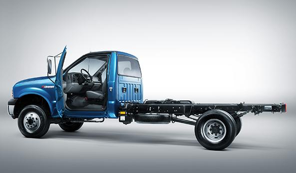 Cabine com conceito car-like. Entrada e saída facilitados, além de muito mais conforto ao motorista durante a direção.