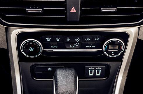 Ar-Condicionado Automático e Digital – 7 velocidades
