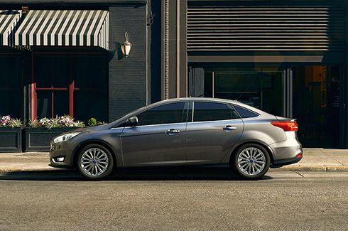 Não é um Sedan, é um Focus Fastback