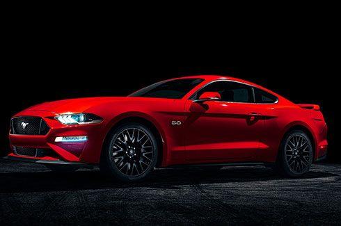 Carros Novos Ford Mustang Performance e robustez que atraem o respeito de todos Ford Brenner Veículos